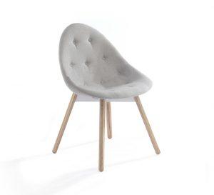 slider revolution - chair with wodden legs